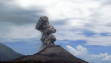 Anak Krakatoa loses height